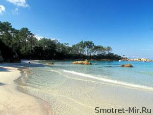 На берегу острова Корсика