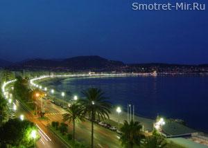 Город Ницца ночью