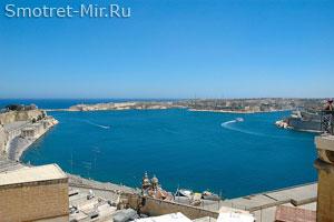Вид на Великую гавань Гранд-Харбор (Валетта на Мальте)