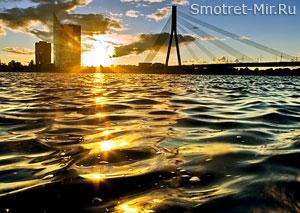 Река Западная Двина в Риге