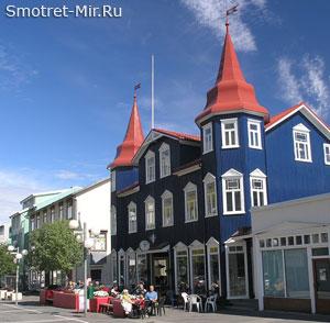 Город Акюрейри в Исландии