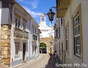 Улицы города Фару в Португалии