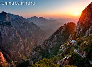 Китайские горы Хуаншань