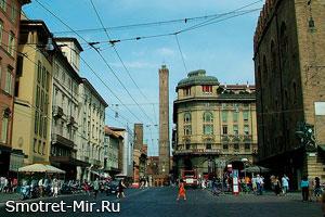 Падающие башни (Due Torri) в Болонье